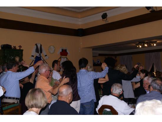 カナダの紳士とマズルカを踊る。