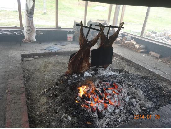ラム肉を焼いて