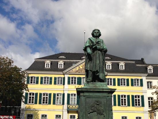 ベートーベン銅像