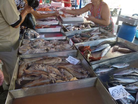 マルサシュロックの魚屋さん
