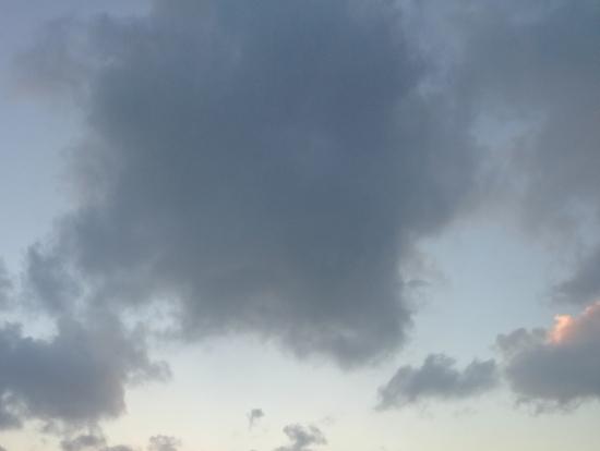 雲の隙間からの朝日!