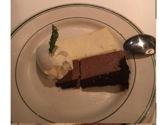 デザートは大皿で!これは1人前!