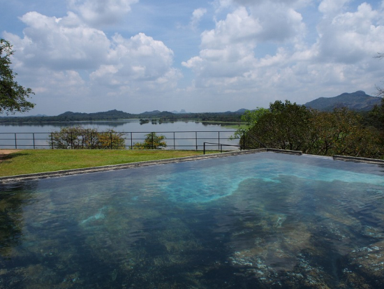 カンダラマホテルのプール