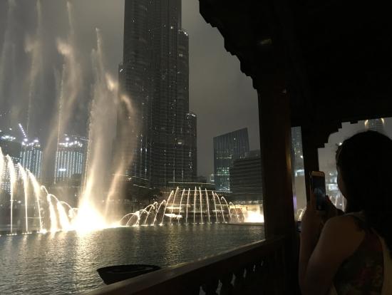 本日4回目の噴水ショー。風向きによって、水しぶきが掛かります!