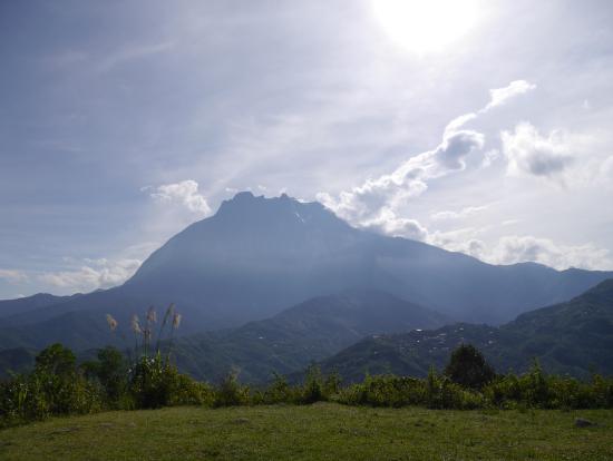 富士山よりも高いコタキナバル山