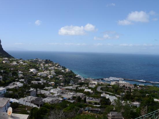 カプリ島・ケーブルカー頂上から