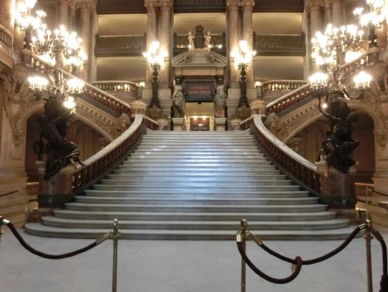 大階段(正面から)本当に素敵