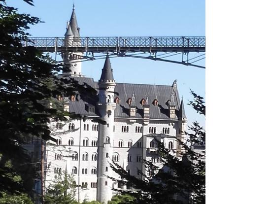 マリエン橋とノイシュヴァンシュタイン城