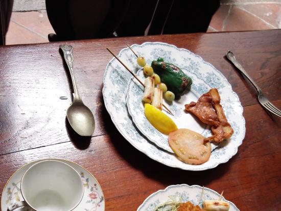 日本で買ってきたという食品サンプルが載っていました。