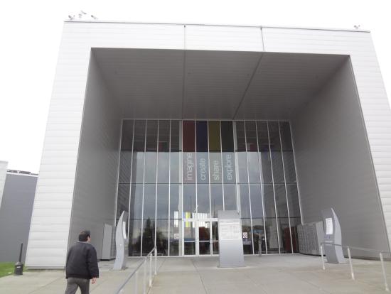 ここがツァーの出発場所の建物です。これ以降は撮影禁止。
