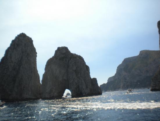 岩のゲート