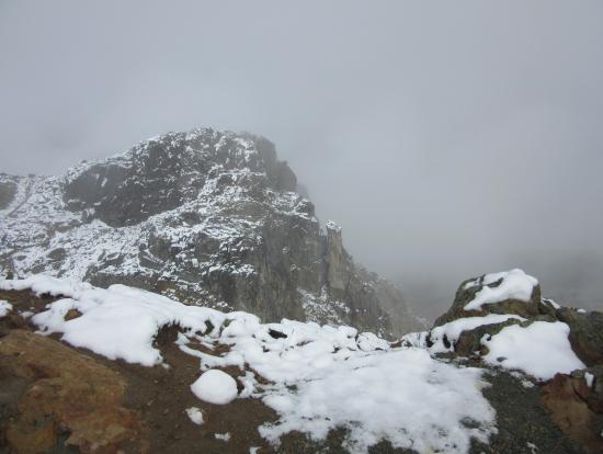 初雪観測のウィスラー山頂にて