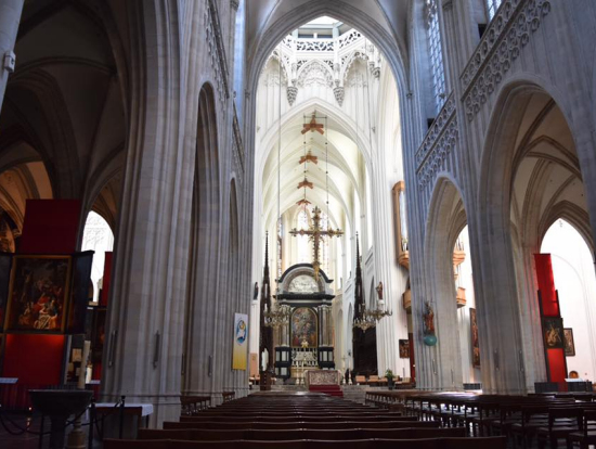 聖母大聖堂の中