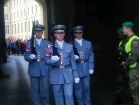 プラハ城 衛兵交代