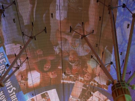 フリーモント天井(たまに人が飛んでました)