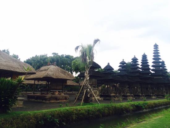 タマン・アユン寺院