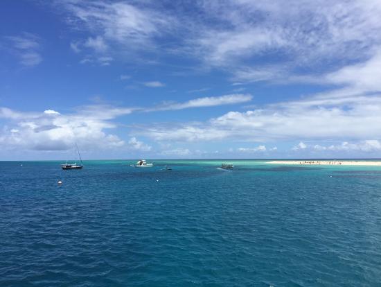 クルーズ船の上から眺めても綺麗です