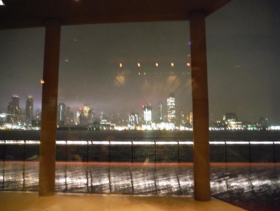 店内からの夜景