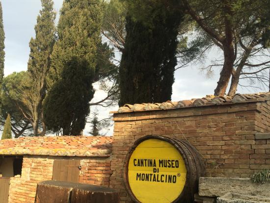 モンタルチーノのワイナリー