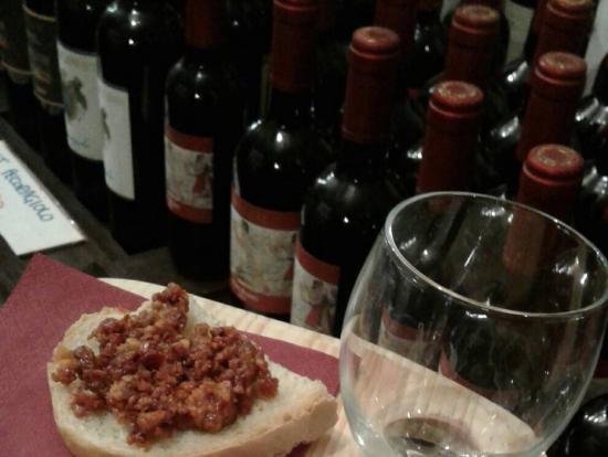 モンテプルチアーノのワインテイスティング