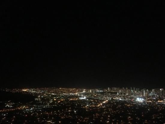 ワイキキの夜景