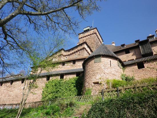 山の上に建築された戦闘の為の城