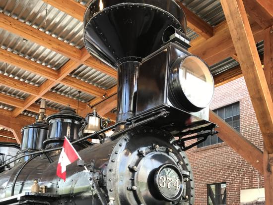 年代物の機関車の秘話に感動