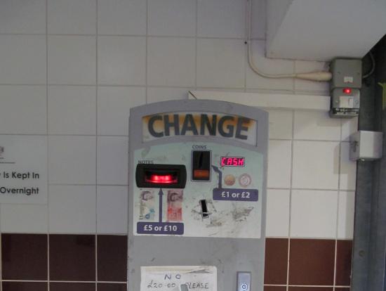 旧5ポンド札がまだ使えた!
