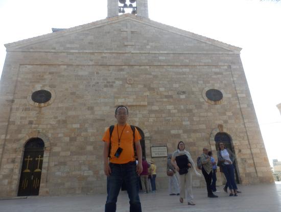 マダバ市の教会で撮影。