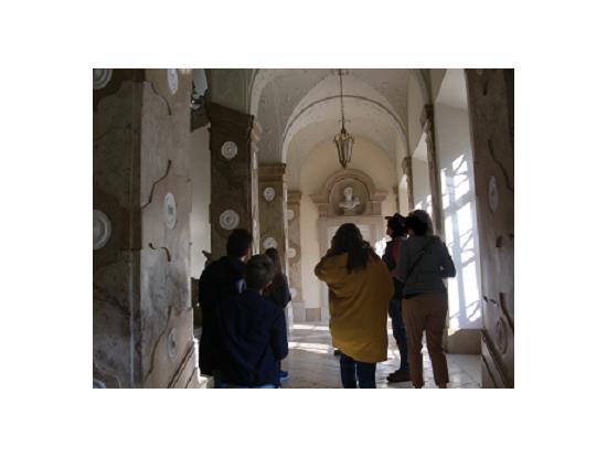 こんな感じでツアー@ミラベル宮殿内