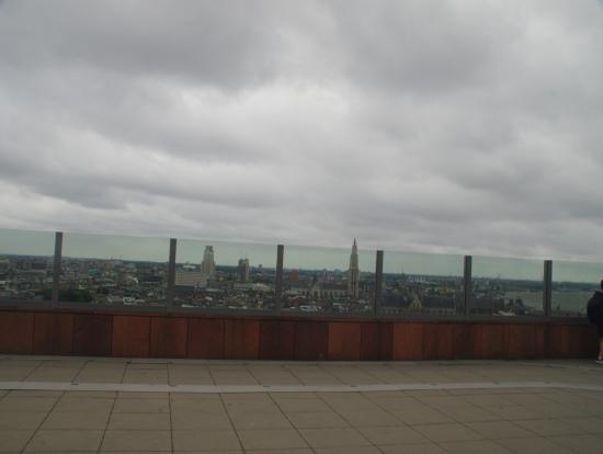 MAS(美術館)屋上より大聖堂方面を望む