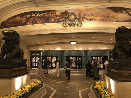 ベラージオホテルの玄関口