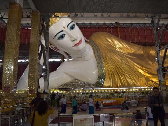 チャウッターヂー・パゴダの寝釈迦像