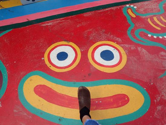 床にもイラストが!かわいすぎる彩虹眷村♡
