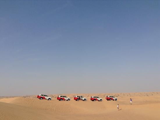 青い空とランクルと砂丘