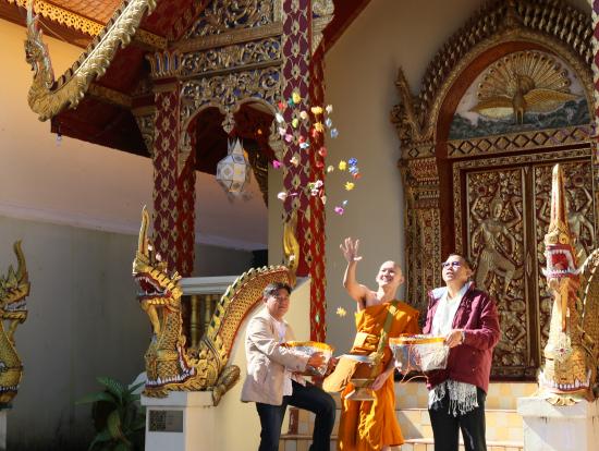 新僧侶の卒業の儀式