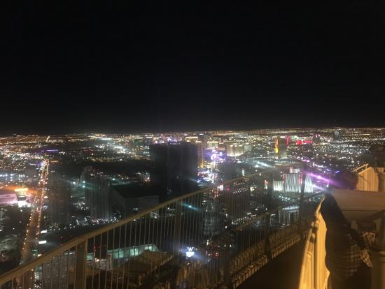 タワーからの夜景、トニー曰く世界一!