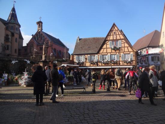 エギスハイムの中心の広場