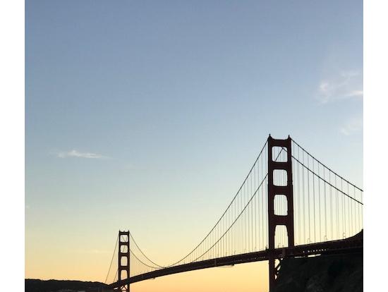夕日にうかぶゴールデンゲートブリッジ