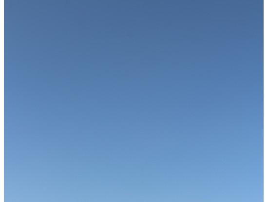 一面の青空と砂漠