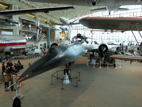 博物館は各テーマに分かれていて、日本の飛行機もありました。