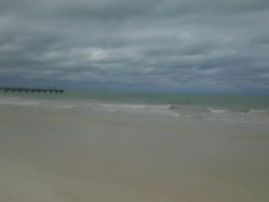 カヨブランコ 白い砂浜でランチです。砂がサラサラできもちいい。