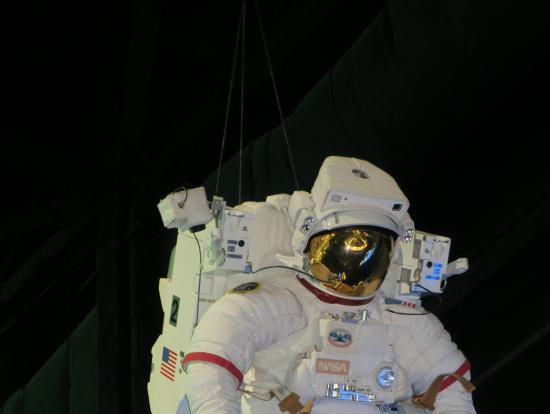 宇宙空間の作業用スーツ