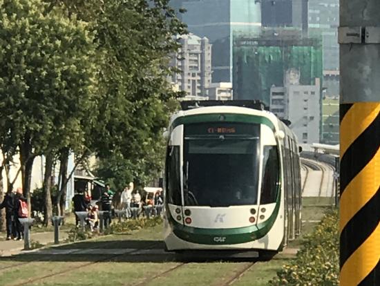駁二藝術特區の路面電車