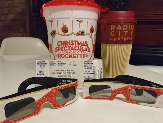 ポップコーン、コーヒータンブラー、3D眼鏡