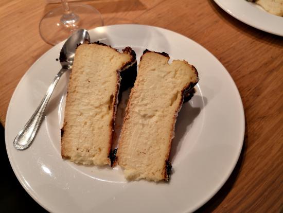 バル巡り「締め」の絶品チーズケーキ