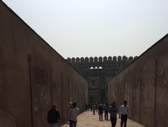 アグラ城は広くて、見所満載でした。