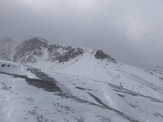 雪のアトラス山脈。風も強く時々ダイヤモンドダストが舞ってました。