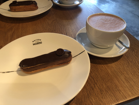 マロウのケーキとホットチョコ