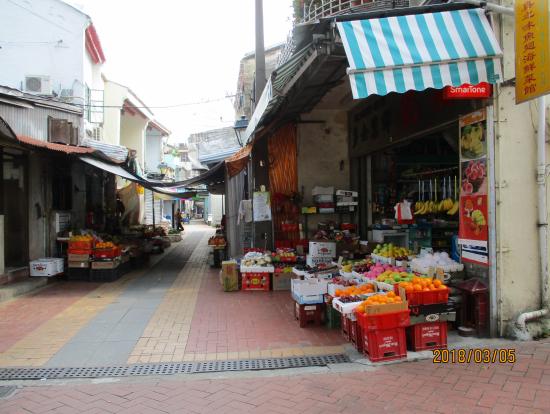 コロネア島の昔ながらの街並み